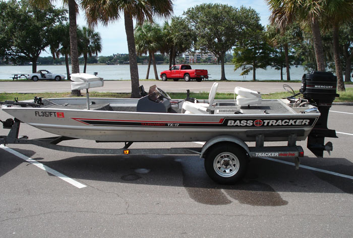 Used bass tracker boat