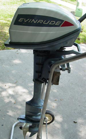 "5 hp Evinrude Yachtwin Long Shaft 20"" Outboard Boat Motor For Sale Runs Excellent, 2 cylinders!"