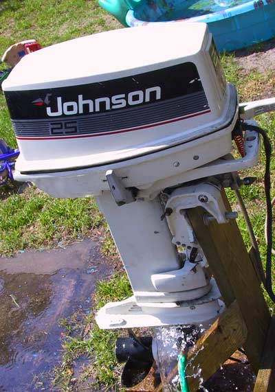 25 Hp Johnson boat motor For sale Used 100