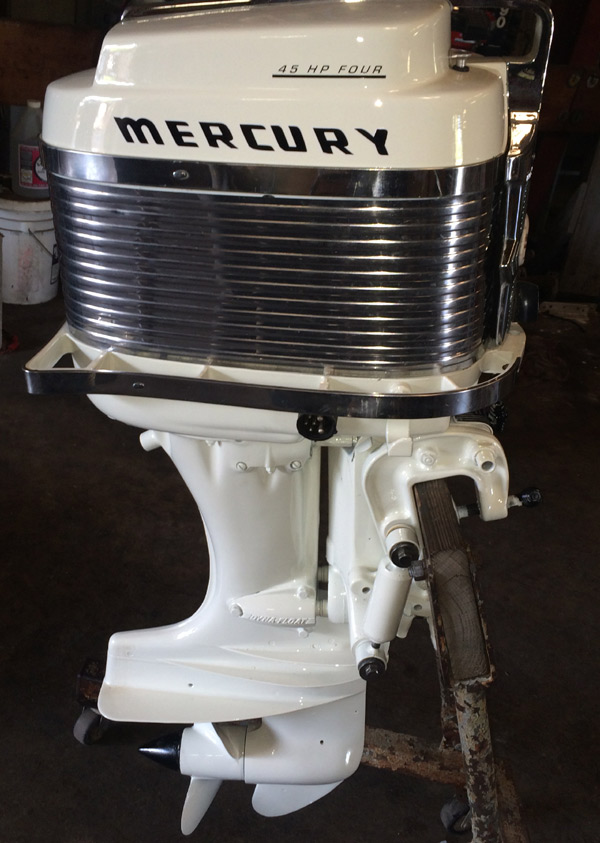 This is a very desirable classic Mercury 400s 45 hp Outboard fully restored. This Mercury 45 hp has been completely serviced and runs perfectly.